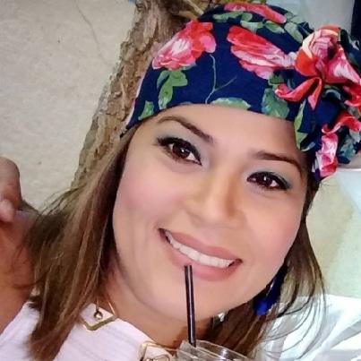 Lorena Barros | Dir. de Ventas